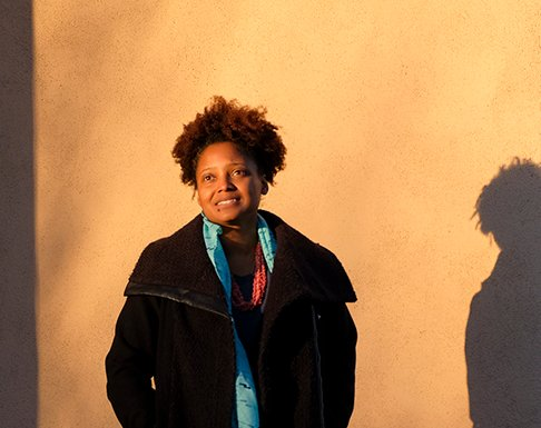 U.S. Poet Laureate Tracy K. Smith has been appointed to a 2nd term! She will expand her outreach to rural America & will unveil a new anthology this fall.  Join the Poet Laureate for a reading & discussion at the Library April 19. More: https://t.co/wsgSJrn67h