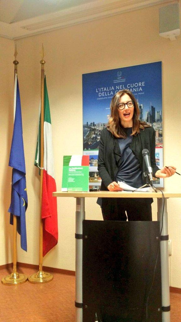 Interessante contributo sul ruolo delle #donne alla Costituente della Prof.ssa @rosa_francesca per il ciclo di incontri dedicato al @70esimo della nostra Costituzione a #Francoforte  - Ukustom