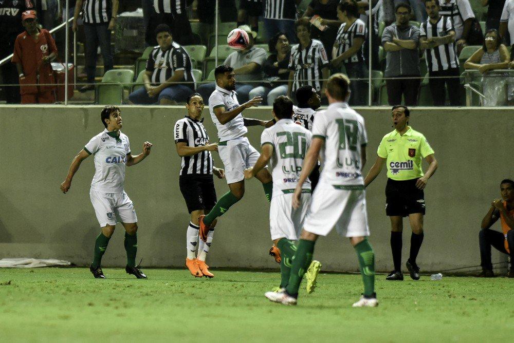 """Ricardo Oliveira avalia que Galo """"se rei..."""