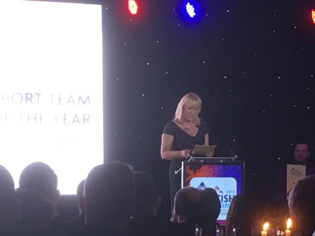 Belinda Roberts presents Export Team of the Year to Pure Malt Products #ScotExport @WeDOScotland