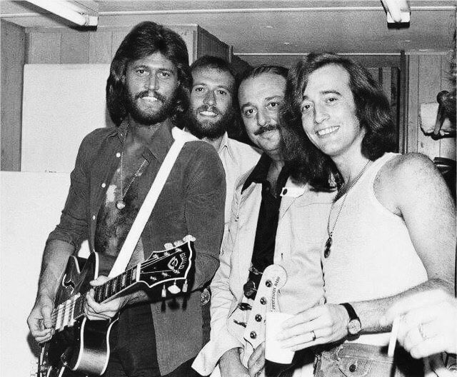 "BeeGeesLove_4649 on Twitter: ""The #BrothersGibb with producer Arif Mardin.  #BeeGees #BarryGibb #MauriceGibb #RobinGibb #family #siblings #brothers  #musicians #singers #songwriters #composers #artists #legends #tbt…  https://t.co/DTl1WnKLbH"""
