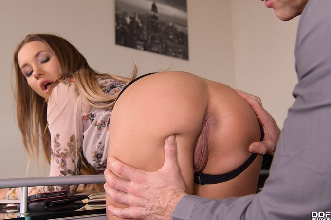 1 pic. Watch the #Sexy #Nympho Taylor Sands get rocked in her all new #Anal #DP #XXXvideo on bit-ly/DDFNetwork_Home