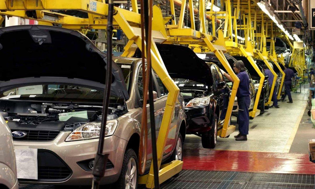 México destaca en producción automotriz...