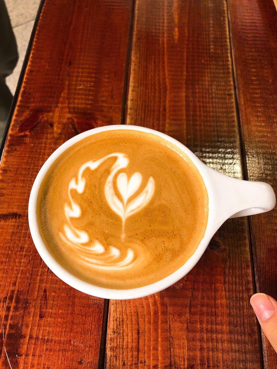 첫번째는 선생님께서 만들어 주신거 두번째는 우리가 만들었던 커피 그리고...