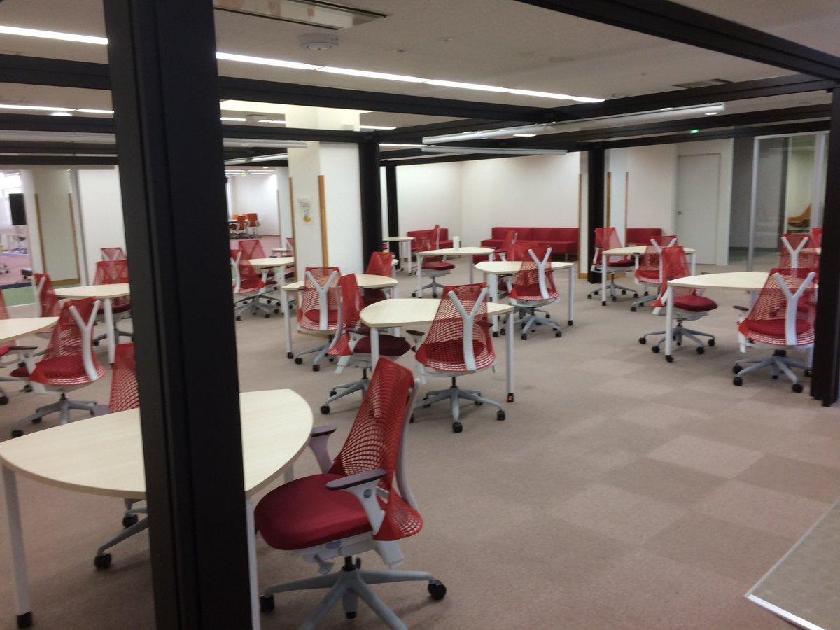 【悲報】電気通信大学さん、図書館の椅子には無駄に金を使う割に暖房を自由に使えない...