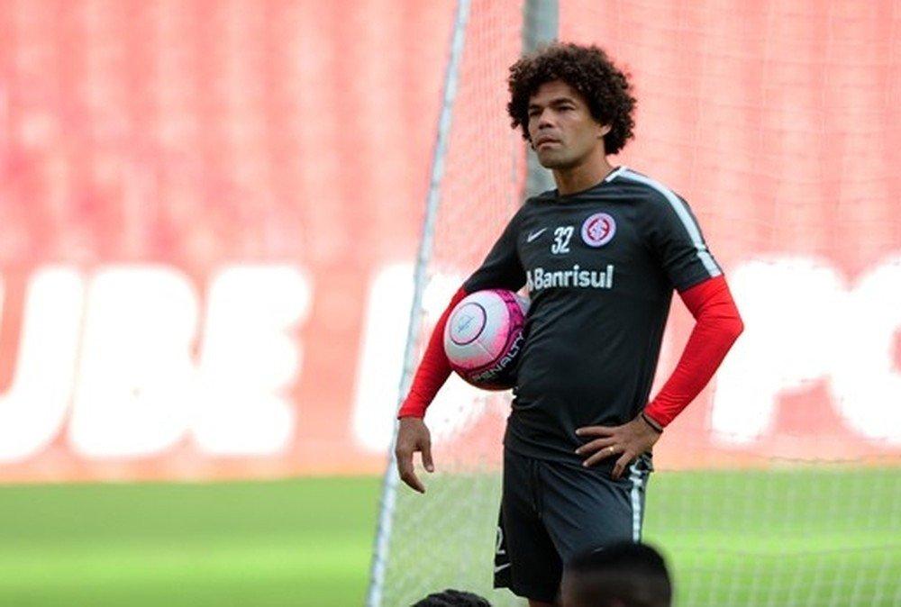 Luiz Carlos Júnior coloca Camilo na mira...