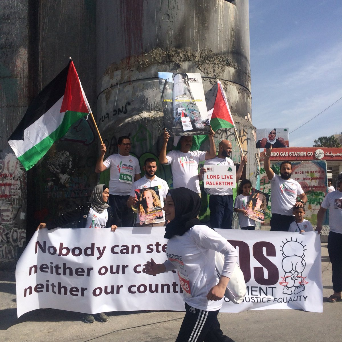 Activists raise awareness about BDS and...