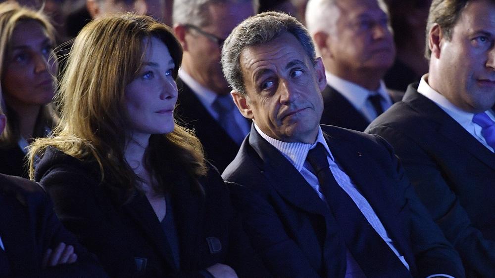 """""""Comme tu es fort"""" : Carla Bruni rend hommage à Nicolas Sarkozy après son passage au 20h de TF1 http://dlvr.it/QM5Ssd  - FestivalFocus"""