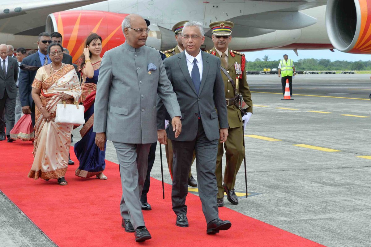President Kovind meets Mauritius counterpart in Port Louis