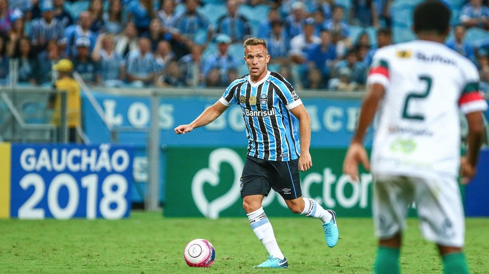 DYAIP3gWkAETtqr - Barcelona Confirm Deal With Gremio Star