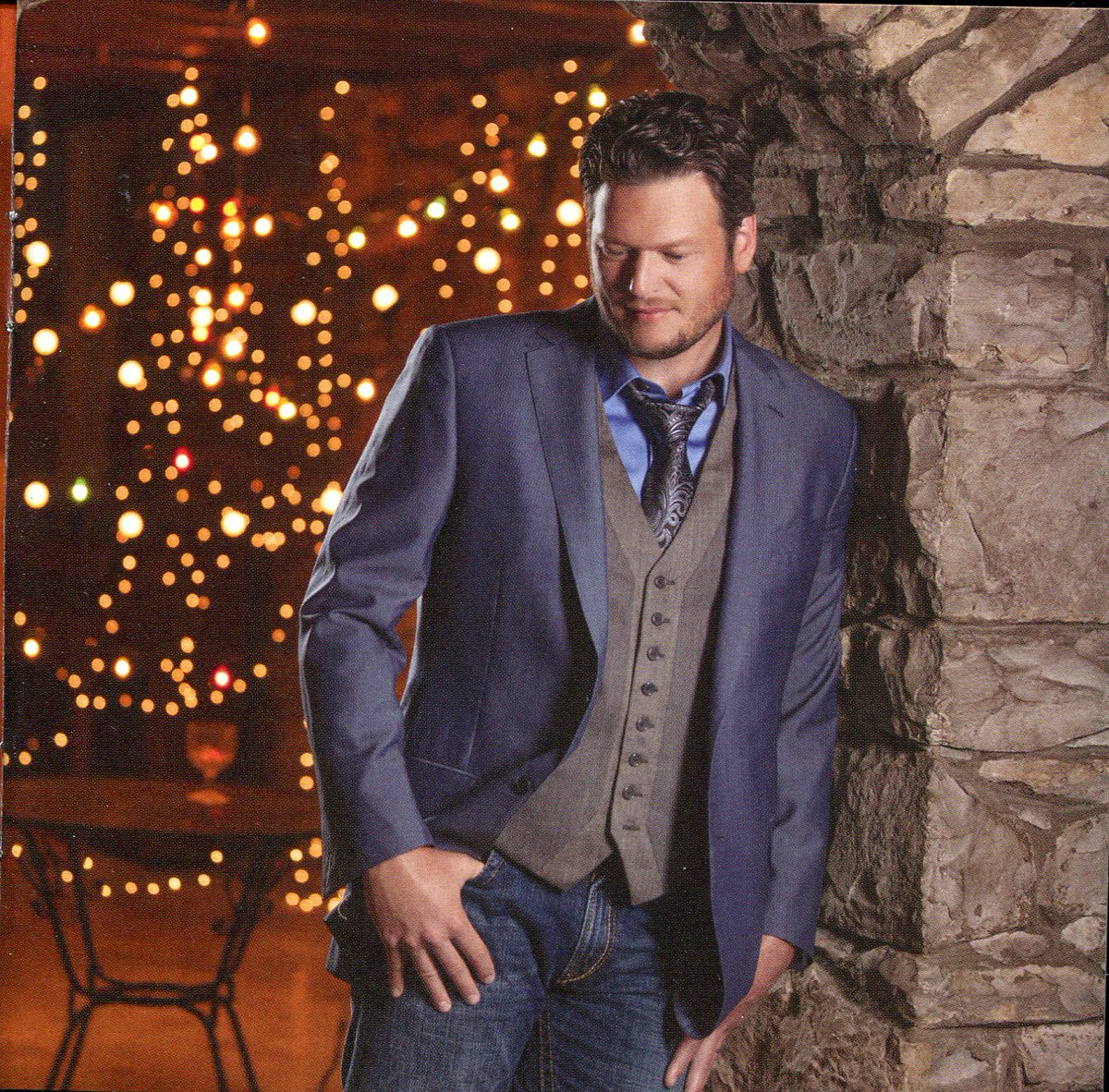 Blake Shelton Cheers Its Christmas.Nicole On Twitter Added Scanned Album Liner Notes And