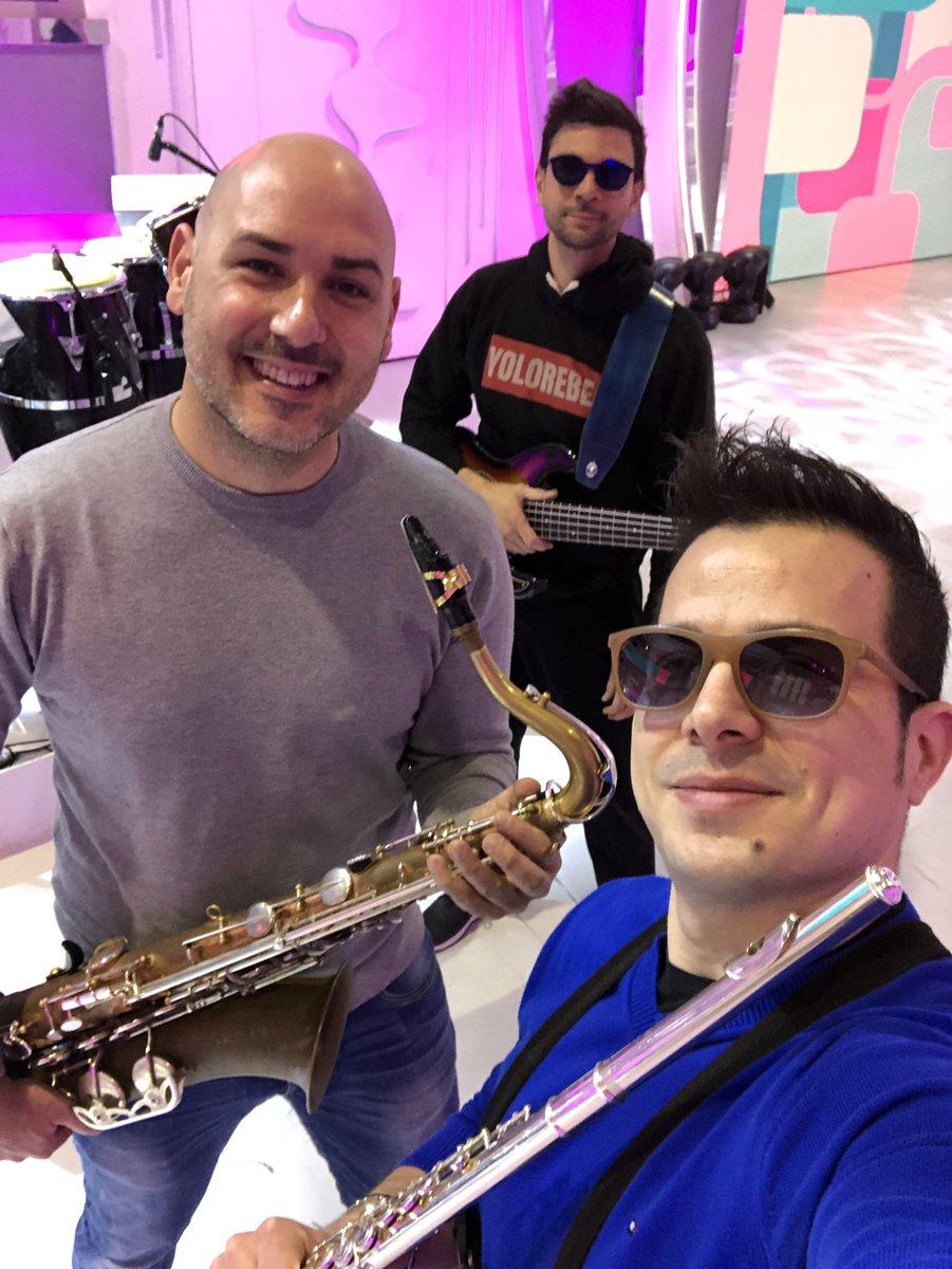 La mia banda suona il rock 🎷🎸🎺  #BuonaDo...