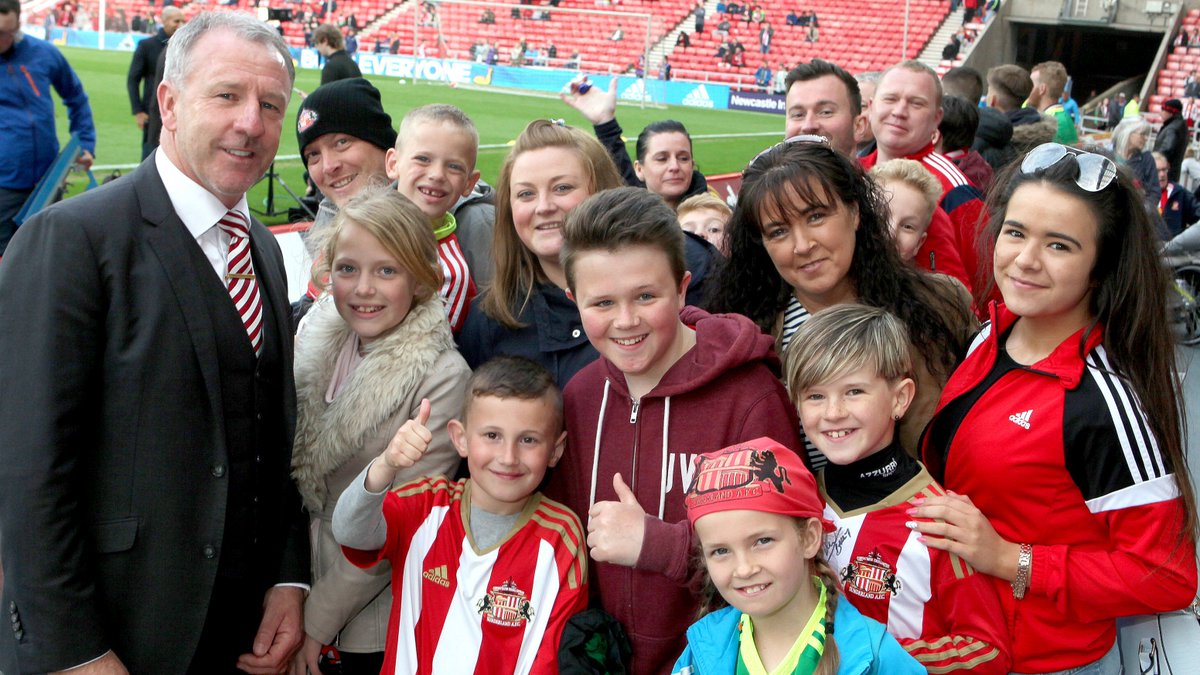 💐 A very Happy Mothers Day to all #SAFC fans! 💐