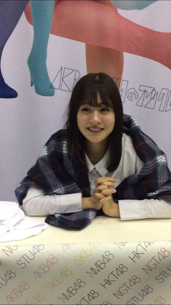 黒髪の加藤美南さん