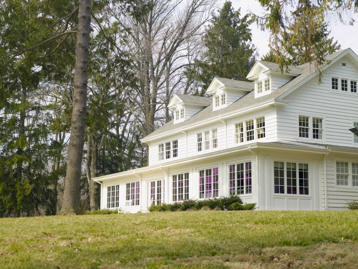 ICYMI: The oldest structure on CIA grounds is a 4 story Georgian Revival house built in 1926.  It was occupied by Margaret Scattergood & Florence Thorne for 53 years. Neither could have predicted who would become their neighbors.  https://t.co/9GT98schmE