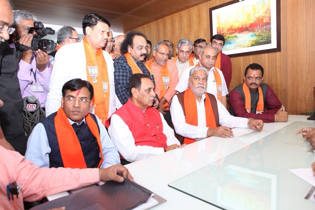 Rupala, Mandavia file nomination papers for re-election to Rajya Sabha seats