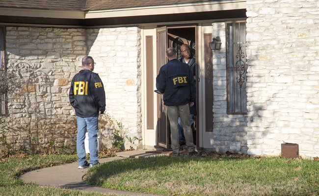 US police eye race factor in #Texas capital's 2 deadly #packagebombs explosions https://t.co/HXx0lqYqXL #hatecrime