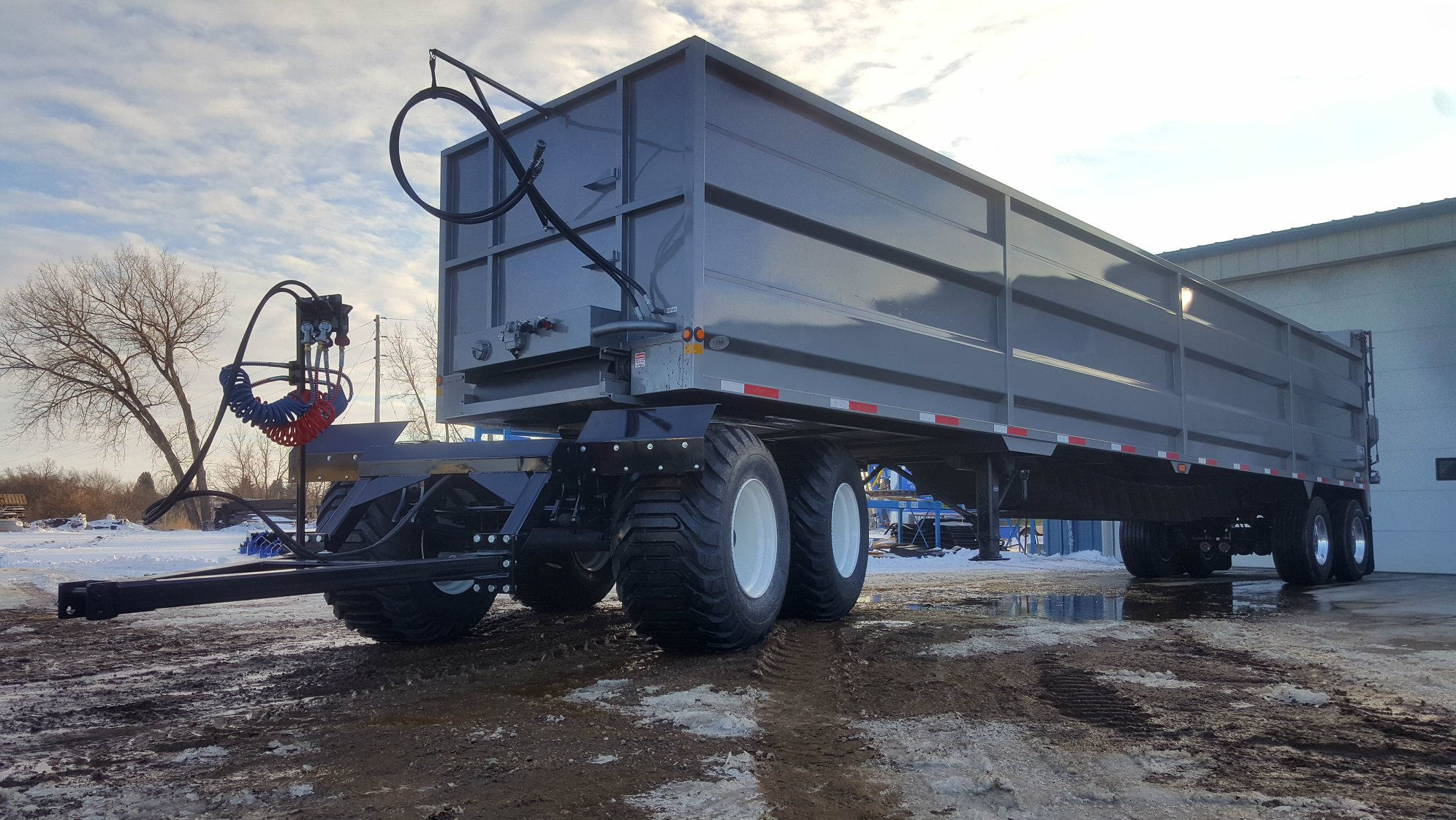Safe T Pull On Twitter What Do You Think Of Our New Product The Converter Dolly It Allows You To Hook A Field Tractor Up To A Semi Trailer And This Model Features Floater