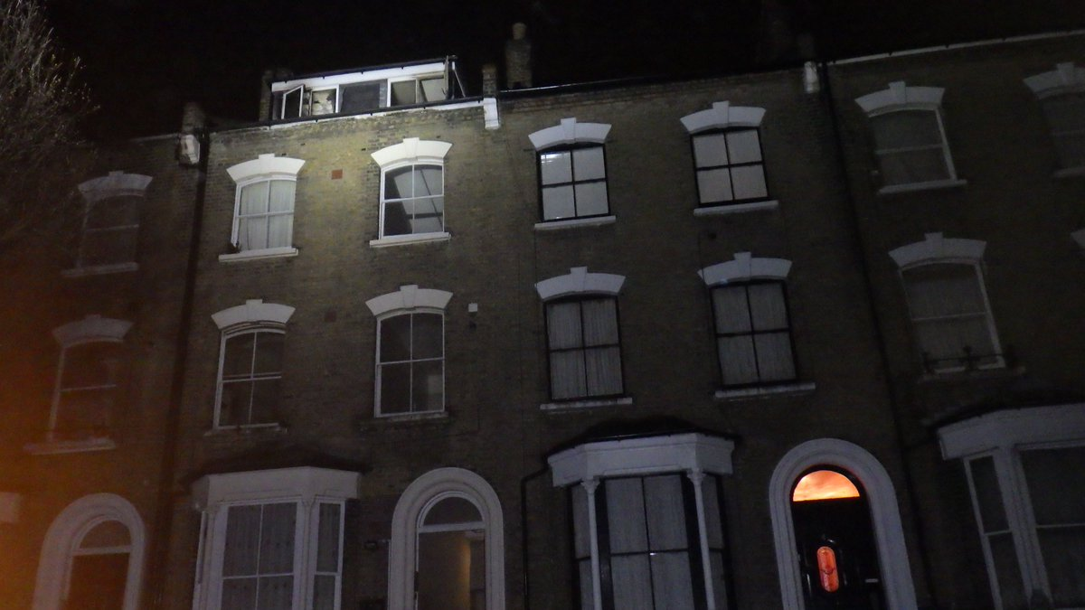 Half of a third floor flat and loft conversion damaged in #Islington blaze #ThisWeek https://t.co/XBjbxwPoe4