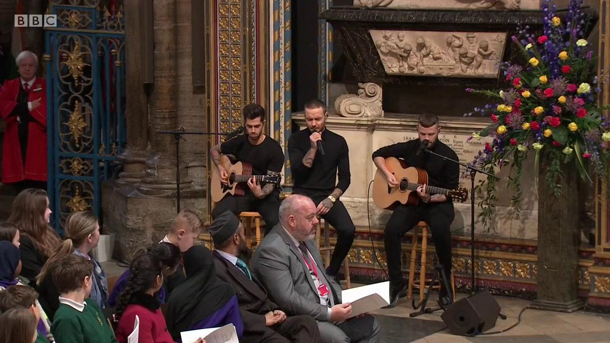 .@LiamPayne sings John Mayers Waiting on the World to Change during the #CommonwealthDay service.