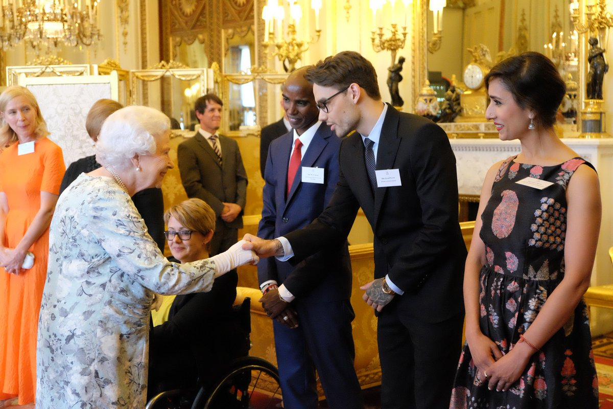 Each year from 2014 to 2018, 60 inspirational people have been selected to receive a @Queensleader Award. In 2017 @LiamPayne attended a ceremony at Buckingham Palace & met The Queen and those inspirational leaders. #CommonwealthDay