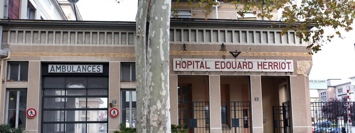 Franceinfo on twitter une m re porte plainte contre un h pital de lyon apr s la mort de sa - Porter plainte contre hopital ...