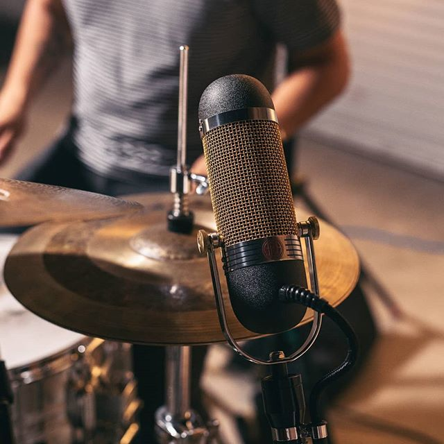 aea ribbon mics on twitter you gotta tame that hi hat somehow try rh twitter com