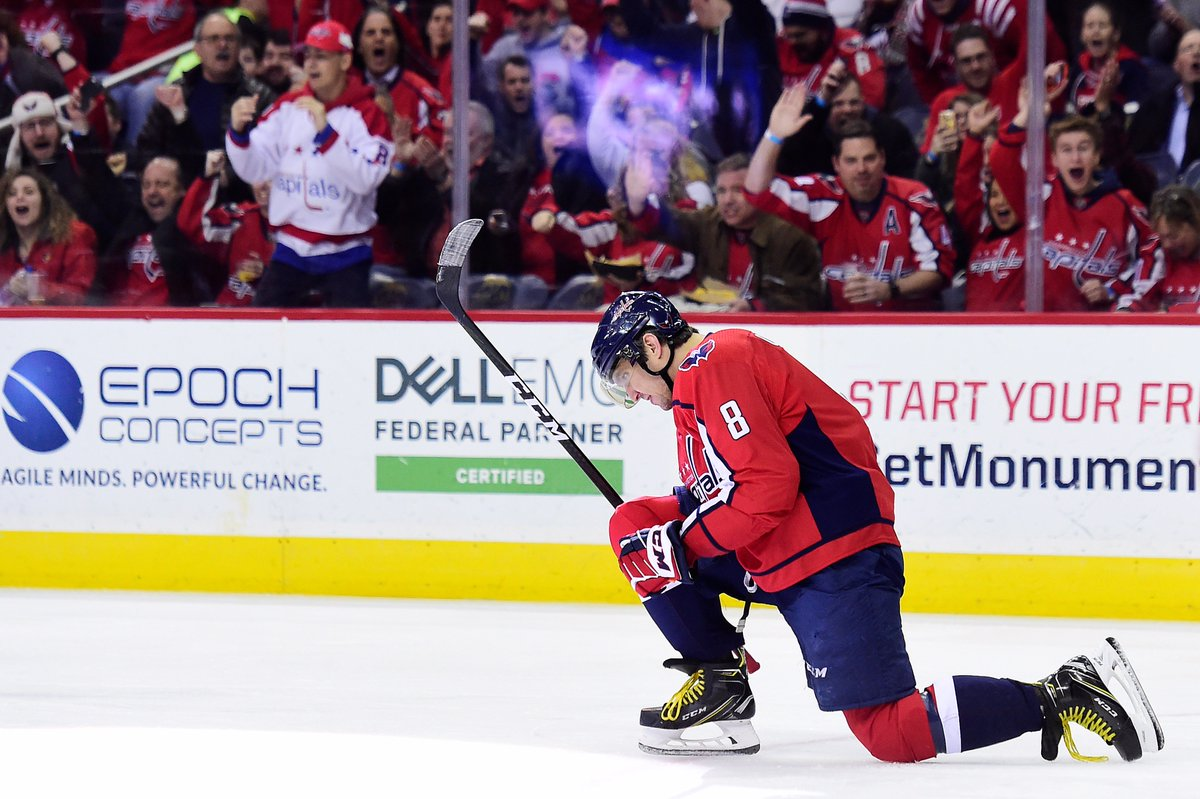 Alex Ovechkin became the 20th player in NHL history to reach the 600-goal milestone, doing so in 990 GP (600-509—1,109). Only 3 players achieved the feat in fewer GP: Wayne Gretzky (718), Mario Lemieux (719) and Brett Hull (900). #NHLStats #WPGvsWSH #600VI