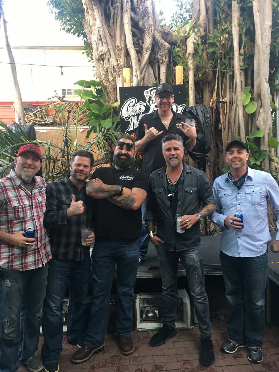 Richard Ray Rawlings On Twitter Hanging Out At Gas Monkey Bar And