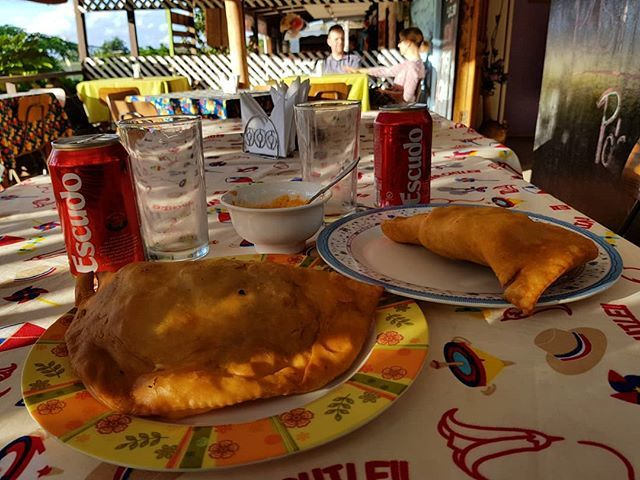 "TurisTips en Twitter: ""Donde La @Tia.Berta comiendo empanadas de ..."