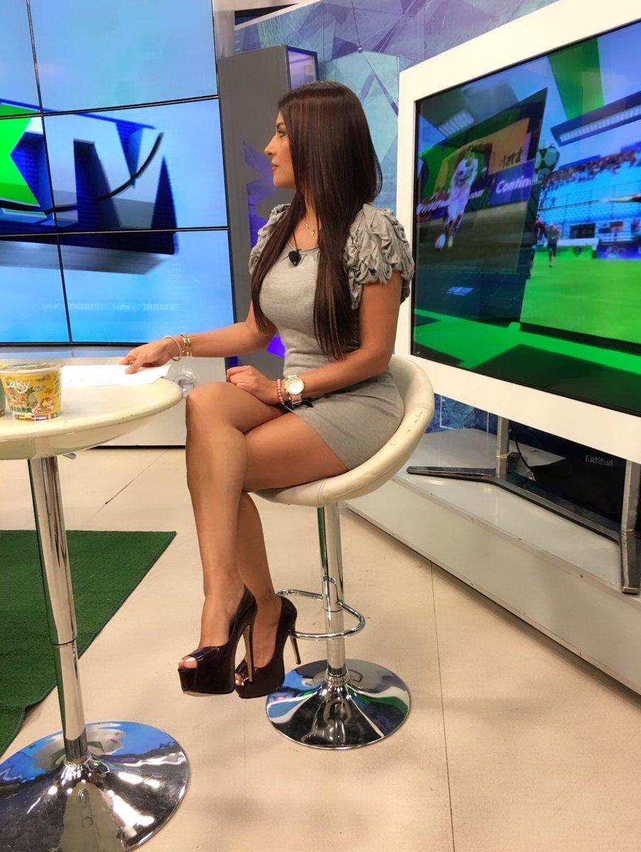 DEBATE sobre belleza, guapura y hermosura (fotos de chicas latinas, mestizas, y de todo) - VOL II DYIjTnXV4AAe_b5