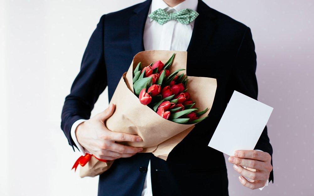Поздравления с 8 марта мужчины к женщине