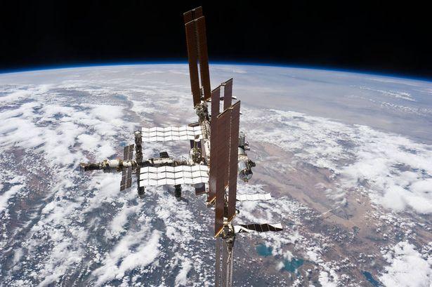 Hình ảnh từ Trạm vũ trụ quốc tế cho thấy độ cong của Trái đất