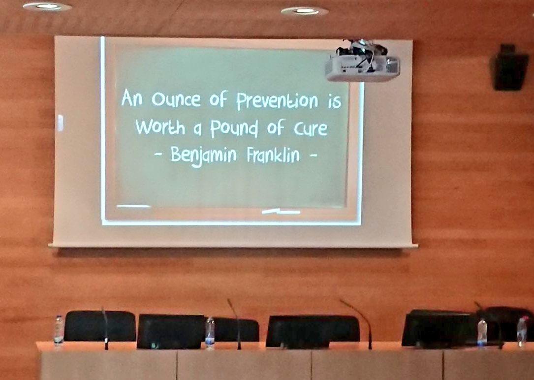 """""""Un gramo de prevención vale más que un kilo de tratamiento"""" Benjamin Franklin #Prevención #Adicciones @madridsalud @UNED_Psicologia"""