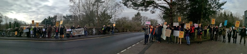 Panorama of Durham Uni Council picket this morning (scroll for best effect) 👍👍👍 #USSstrike #ucustrike @UCUNorthern