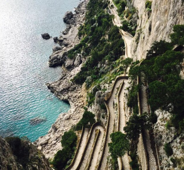 """Concorso fotografico 📸 per turisti 🇨🇳 sui nostri borghi """"Small towns: discovering Italian hidden gems"""" @ItalyMFA @ItalyinChina 🇮🇹 A due mesi dal lancio, ecco alcune delle numerosissime foto giunte  ➡️➡️➡️ mp.weixin.qq.com/s?__biz=MzI2Nj…"""