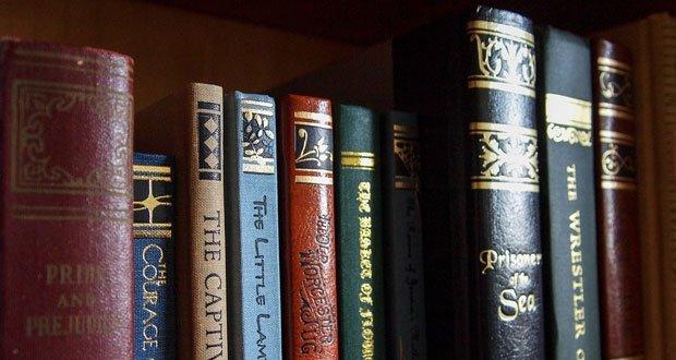 book Il pollice del