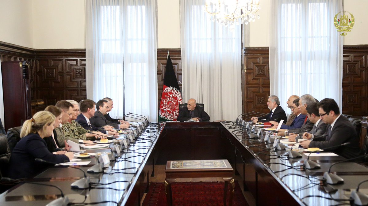 President @ashrafghani met  with United States Secretary of Defense, James Mattis, at Gul Khana palace today. Discussed peace with the Taliban, comprehensive dialogue with #Pakistan, upcoming elections, counter narcotics and issues pertaining Afghan refugees in Pakistan.