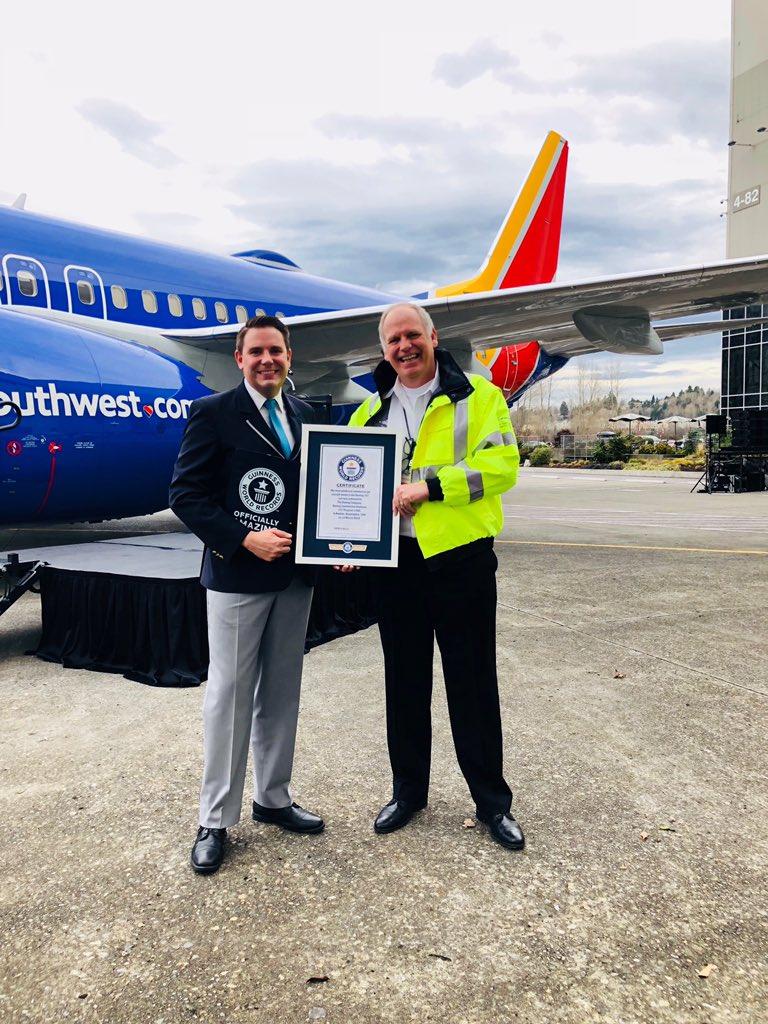 Resultado de imagen para 10,000 Boeing 737 Southwest Guinness