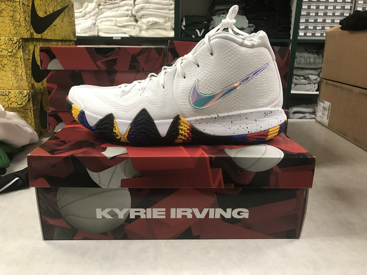 The new  Nike  marchmadness shoes are here. Two versions  HerdSwag   KyrieIrving  Yg Trecepic.twitter.com sD2XSWKPNS b90e6e699