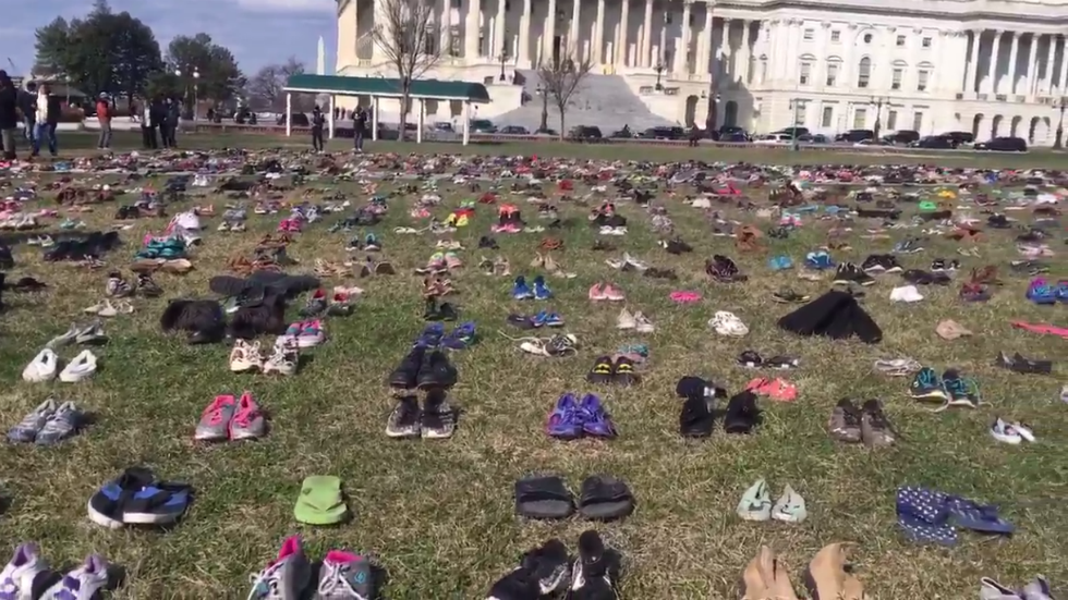 Activist group places 7,000 pairs of shoes on Capitol lawn to represent students killed in shootings since Sandy Hook https://t.co/5Q9T92XWIb