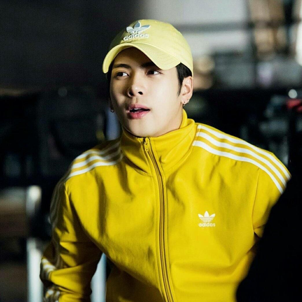 b28b3ac4a71 ... Originals BB Track Jacket (Yellow) for GOT7