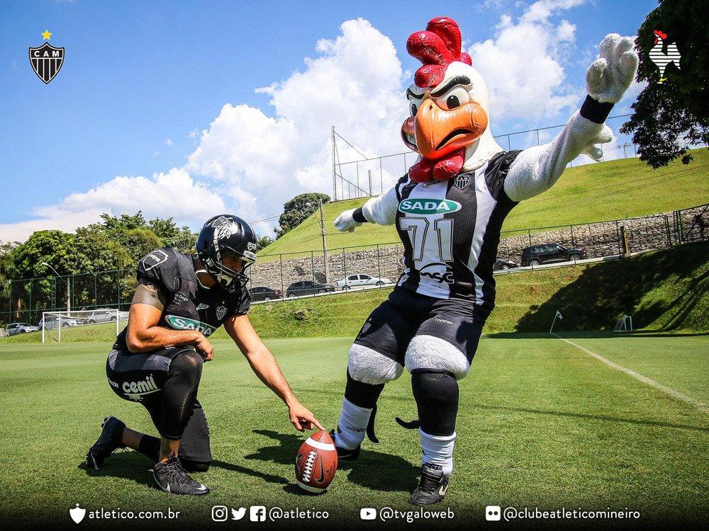 1af1db90a Touchdown! Veja o álbum com as principais fotos do lançamento do Galo  Futebol