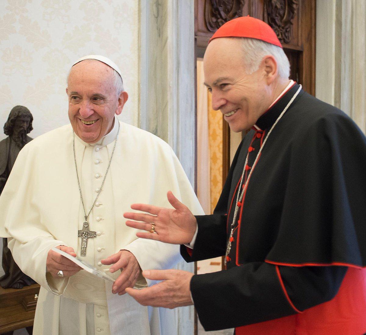 Me uno a las felicitaciones al Santo Padre @pontifex por sus 5 años de Pontificado. Cuente con mis oraciones y las de su pueblo en la Ciudad de México.
