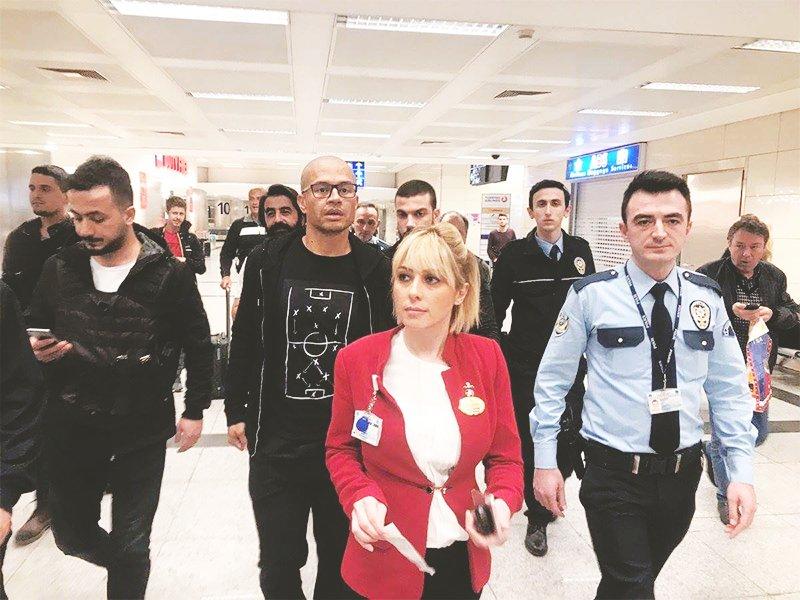 Efy's photo on Alex de Souza İstanbul