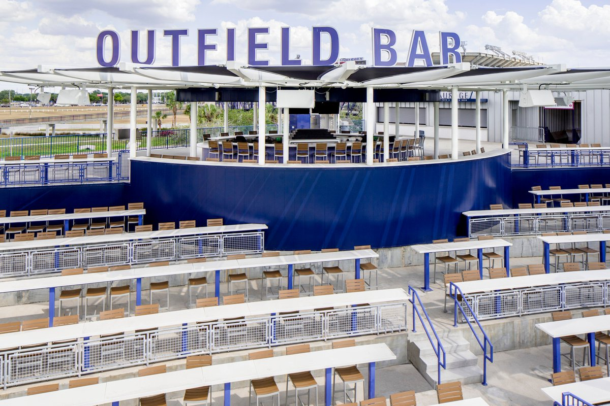 Meetings in the outfield! Get #inspired to plan a baseball-themed event during #springtraining https://t.co/2UUKS5Jhzw #StPete #Clearwater #baseball #springtraining #inspiringbrilliance #baseball #smartmeetings #meetsmart #thinksmart https://t.co/YGtZ3a4Vya