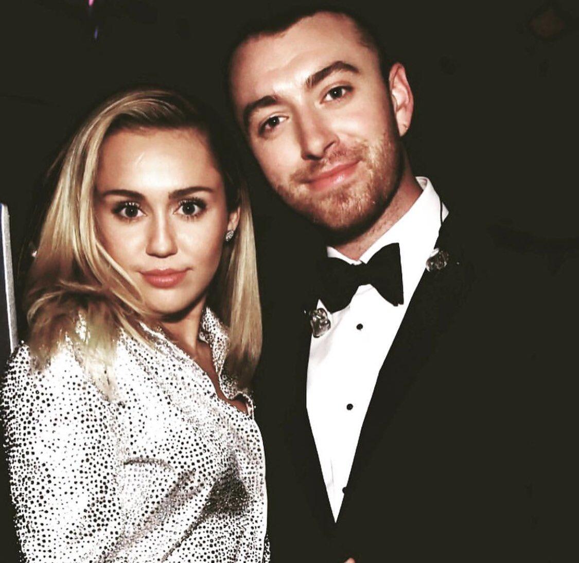 Miley Ray Cyrus top tweets