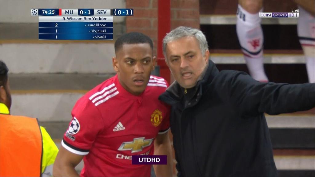 Mourinho : I want you to attack Martial : Say whhaaaa??? #Mourinho