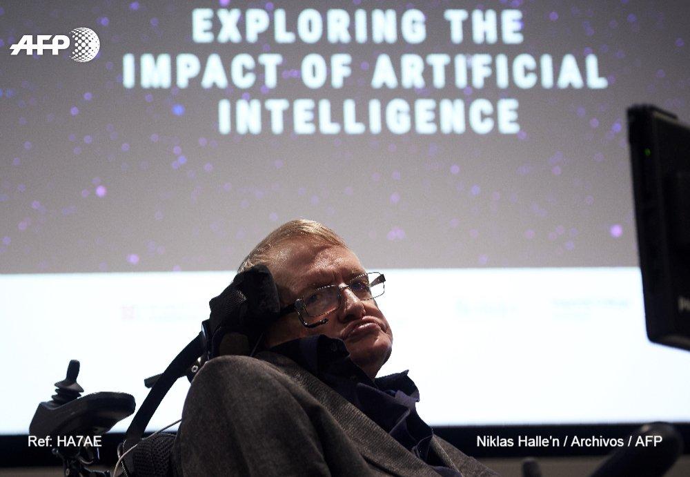 #ÚLTIMAHORA Fallece a los 76 años el físico británico Stephen Hawking (portavoz de la familia) #AFP