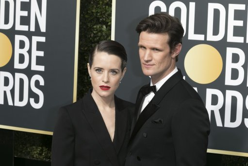 Producers of #TheCrown have admitted Claire Foy - who plays The Queen - wasnt paid as much as Matt Smith because of his #DoctorWho success #HeartNews heart.co.uk/news/showbiz/t…